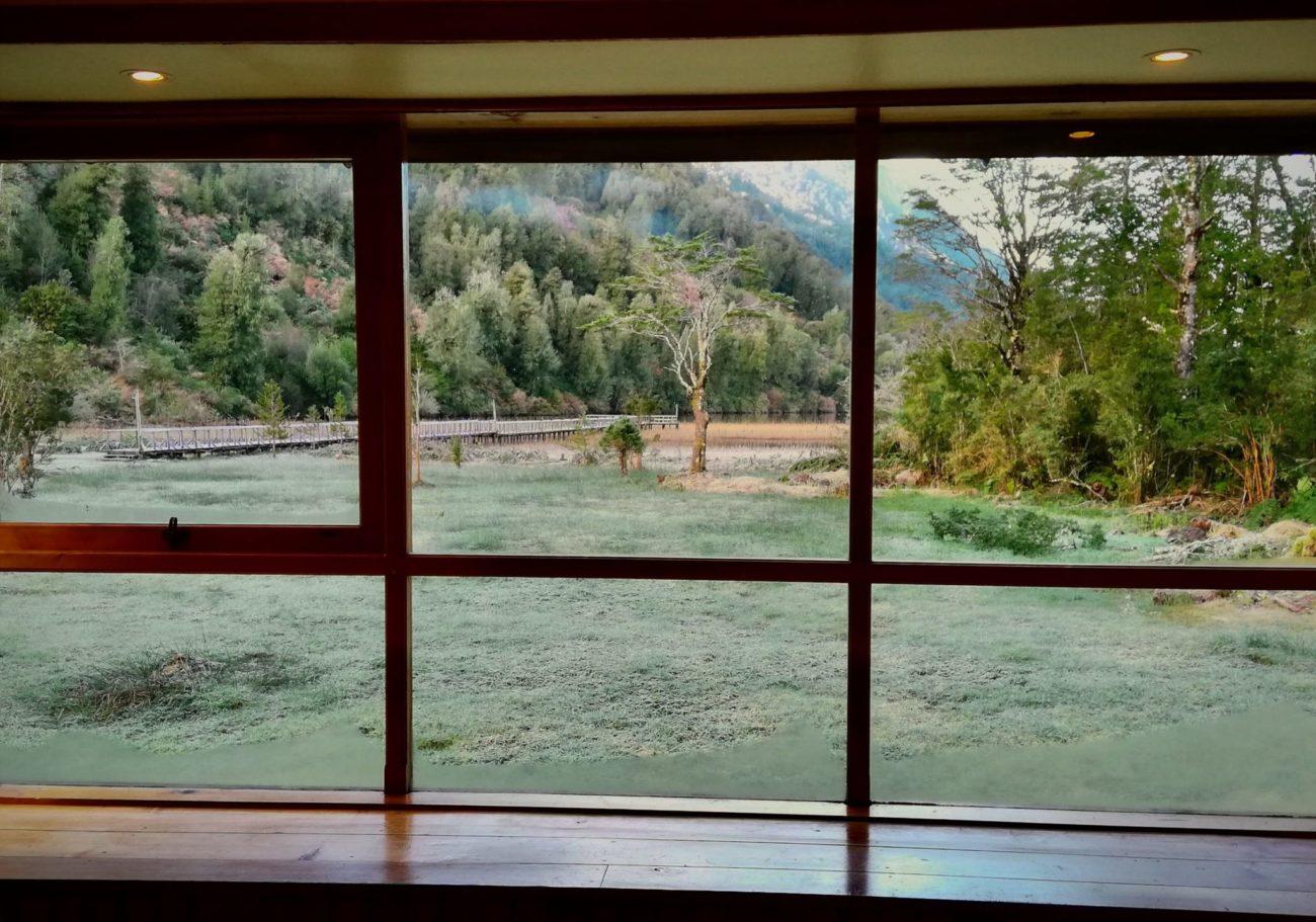 La vista desde una de las cabañas del pangue al lago risopatrón